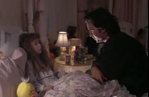 Miracle-de-noel-soir-lit-petite-fille