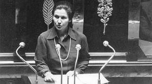 La loi Veil de 1975 sur l'infanticide par avortement en France : l'histoire d'une manipulation des masses