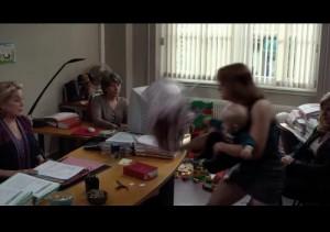 Les femmes entre elles dans le bureau de Mme Le Juge avant la déconfiture